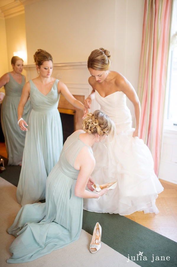 Authentic Wedding Photography by Connecticut Wedding Photographer Julia Jane Studios