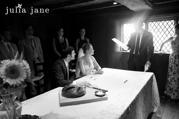 Candid Wedding Photography by Connecticut Wedding Photographer Julia Jane Studios
