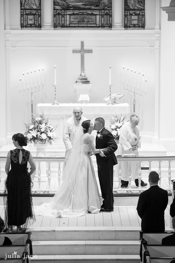 church wedding in danbury by Connecticut Wedding Photographer Julia Jane Studios, www.juliajanestudios.com