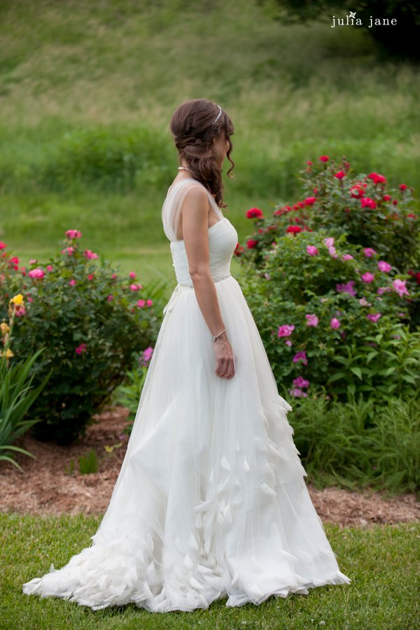 bridal portraits in the rose garden at red maple vineyard