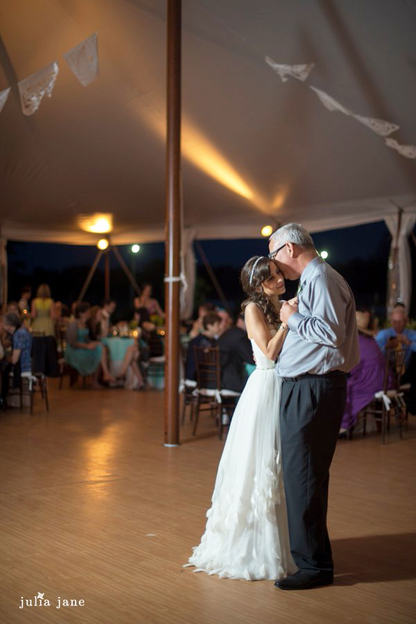 father daughter dance at red maple vineyard