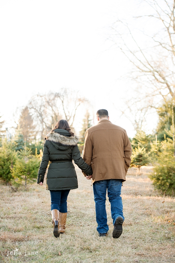 winter engagement session in connecticut by connecticut wedding photographer, julia jane studios