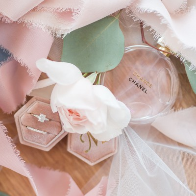 Styling Bridal Details: Extra Flowers