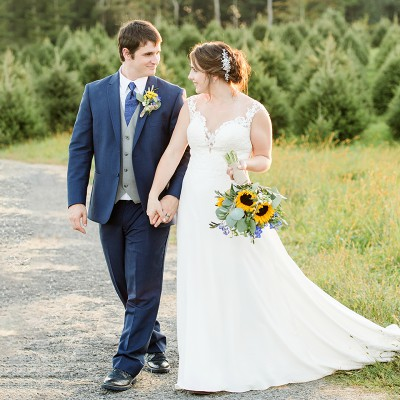 Wedding at Maple Row Farm: Laura & Seth Sneak Peek